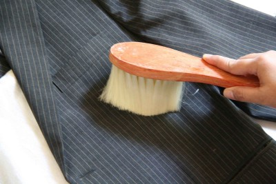 Brush-your-suit