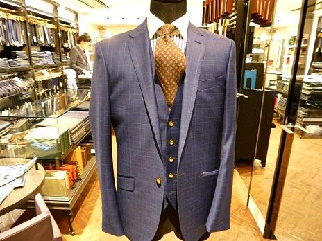 生地の種類 シャドーチェック ネイビースーツ