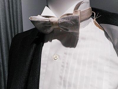 【シャツ襟の種類】ウィングカラーデザインのシャツ