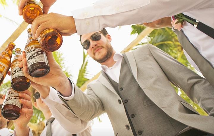 結婚式のスーツ選びとは?