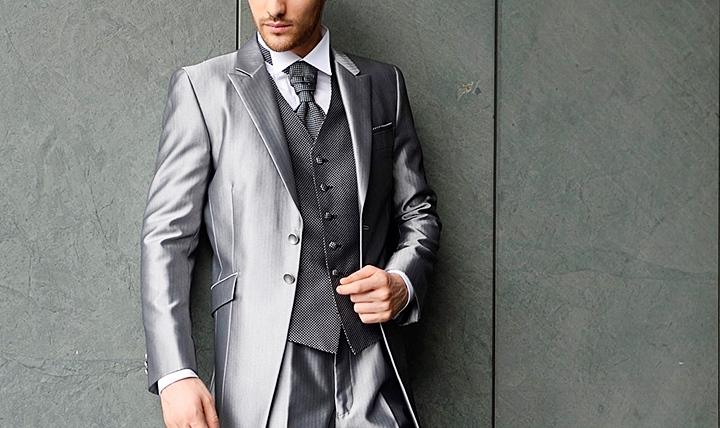 結婚式のスーツ:マット感のあるグレー