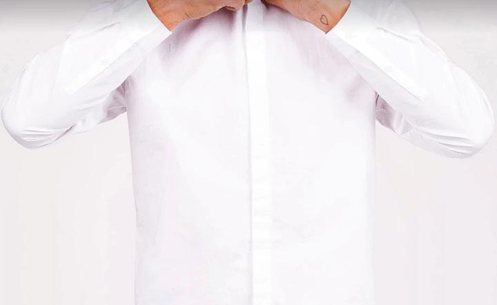 白のワイシャツはイメージが良い