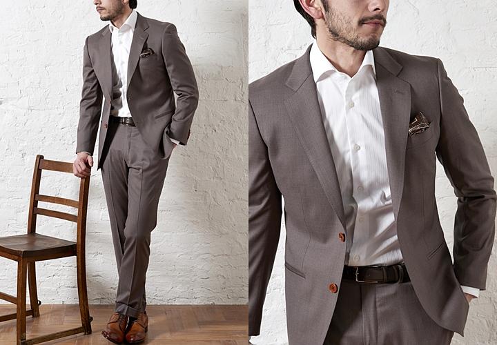 クールビズスタイルイメージ・ノーネクタイのブラウンスーツ