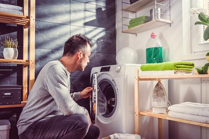こまめに洗濯することで汚れの原因を防ぐ