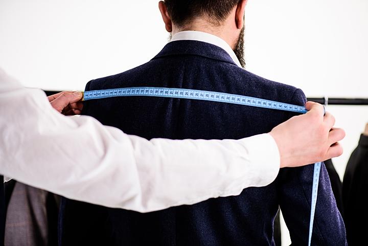 スーツ用ハンガーの選び方~2つのポイント~ハンガーサイズの測り方と目安