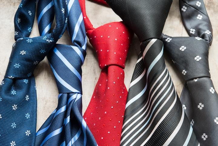 ネクタイの結び方,プレーンノットの結び方