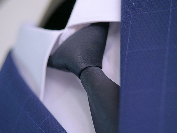 ネクタイの結び方,ウィンザーノットの結び方