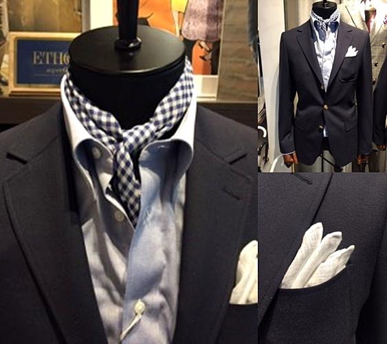 紺ブレ,ドレスカジュアルシーン,スカーフ,白のチーフ