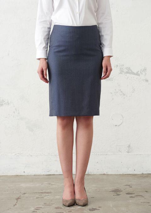 レディーススーツのタイトスカート
