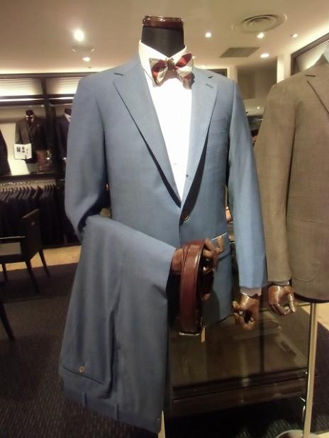 ブルースーツ全体